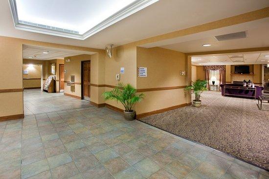 Holiday Inn Express Boulder: Lobby