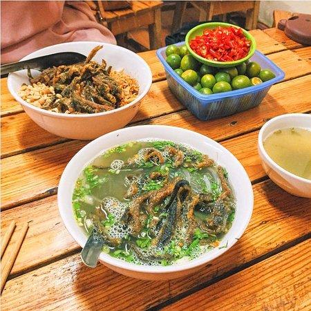 Cua Lo, فيتنام: Đặc sản Miến Lươn Gia truyền là sự kết hợp giữ Miến từ làng nghề Thanh Thủy và Lươn đồng Xứ Nghệ