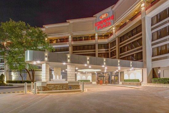 Crowne Plaza Executive Center Baton Rouge: Exterior