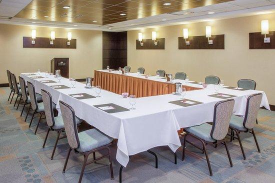 Glen Ellyn, IL: Meeting room