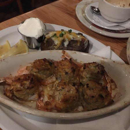 Smuggler's Cove Restaurant: photo4.jpg