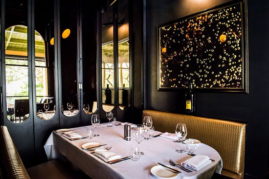 Exceptional Moo Moo The Wine Bar + Grill: Private Booth Dining
