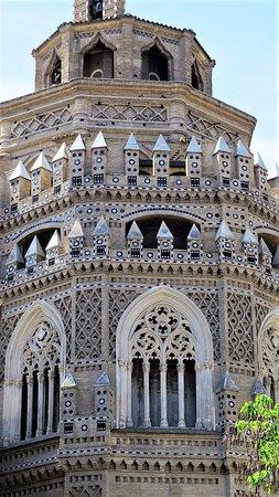 La Seo del Salvador: detalles exterior