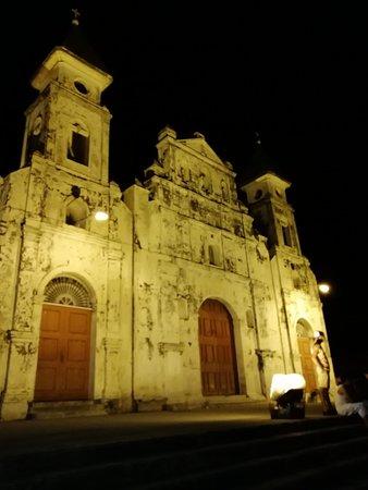 Γρανάδα, Νικαράγουα: Por la noche
