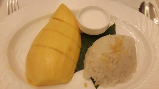 Royal Cliff Beach Hotel: Sweet Mango with coconut rice