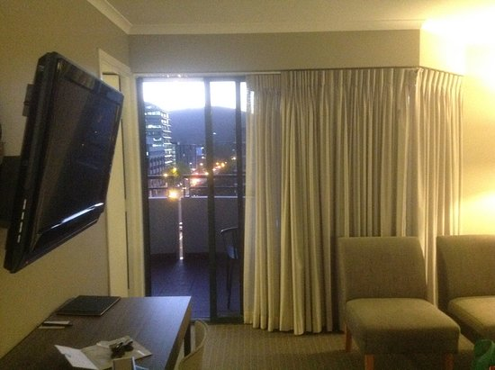 photo0.jpg - Picture of Adina Serviced Apartments Canberra ...