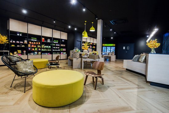 M2 Boutique Hotel: Lobby