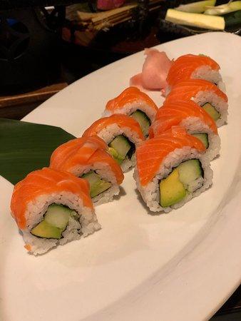 Milford, New Zealand: Salmon and Avocado Sushi