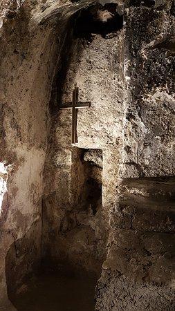 Chiesa di Sant'Euplio: Interno della cripta