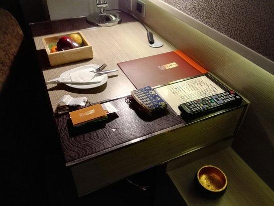 Grand Swiss Sukhumvit 11 by Compass Hospitality: IMG_20180329_191659_large.jpg