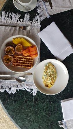 Belmond La Residence Phou Vao: Breakfast, excellent Laos Mountain coffee