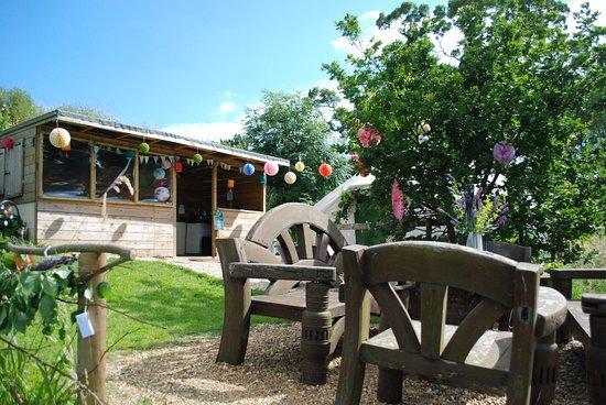Brackley, UK: Summer Corporate BBQ - Lakeside