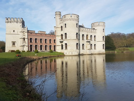 The castle at Plantentuin Meise