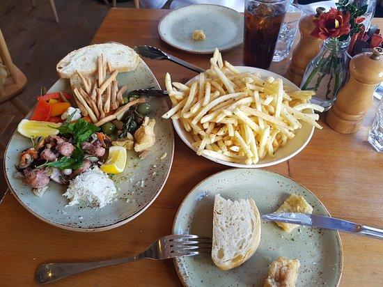 Esplanade Restaurant: 20180416_133931_large.jpg