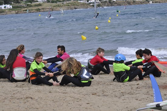 Adosveles: group mixing warming up together