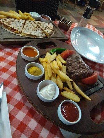 Cozy Restaurant Cafe & Pub: IMG_20180407_233134_large.jpg