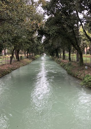 Fano, Italy: Canale Albani di giorno