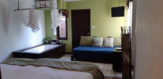 Phra Nang Inn: Superior room with Bathtub