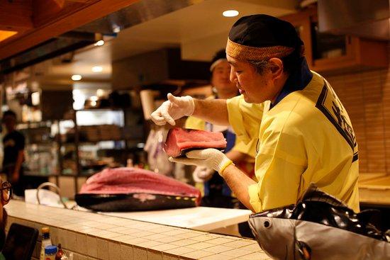 TUNA CUTTING SHOW_03 - Picture of Maguro Shoten, Kabukicho - Tripadvisor