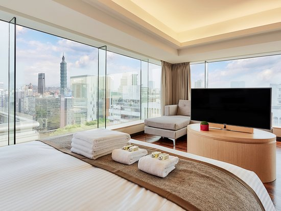 Recommend The Deluxe View Room Review Of Eastin Taipei Hotel Da