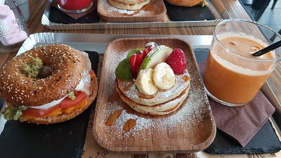 Chiuduno, Italy: Bagel - Pancakes - Centrifugato