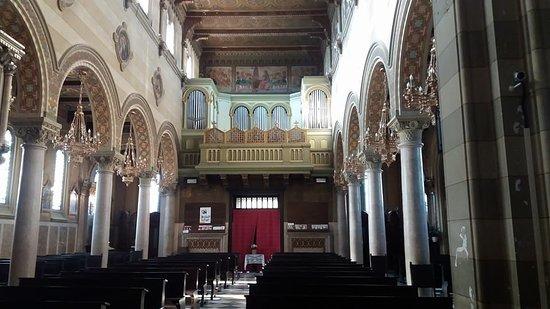 Vigliano Biellese, إيطاليا: Interno chiesa