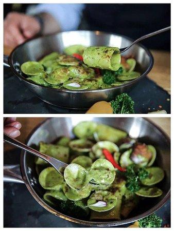 Durum wheat Paccheri with clams, bottarga and zucchini coulis