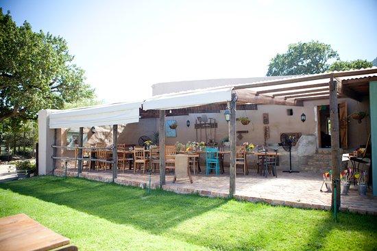 Fynbos Estate: De Perdestal, our wedding venue! <3