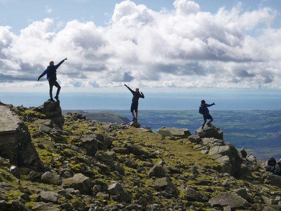 Kendal, UK: Enjoying the summit. Scafell Pike