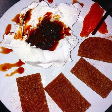 Kati Psenete: Κέρασμα παραδοσιακών γλυκών!!
