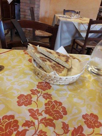 Collazzone, Italy: IMG-20180416-WA0005_large.jpg