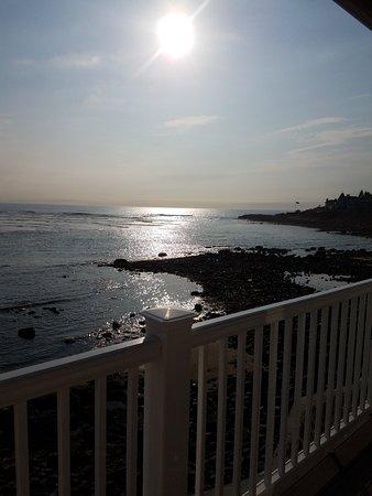 The Sparhawk Oceanfront Resort: 20180414_081036_large.jpg