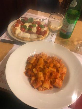 Est! Est! Est! - Pizzeria Ricci : pasta all'amatriciana et focaccia