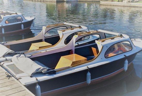 Wroxham Boat Hire. Self drive Norfolk Broads day boat hire. www.wroxhamboathire.co.uk