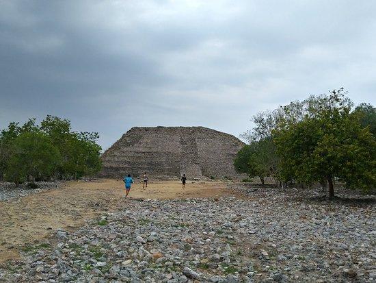 Piramide de Kinich Kak Moo: 20180415_080054_HDR_large.jpg