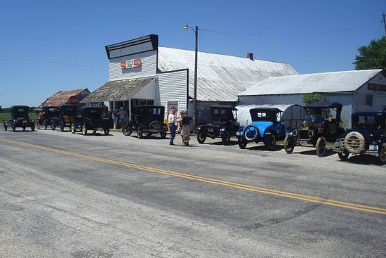 Macon, MO: Model T club visiting the store.