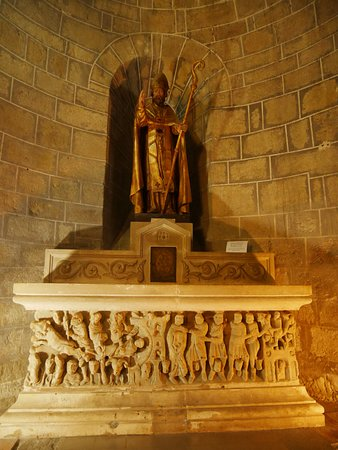 Saint-Hilaire, Frankreich: gisant