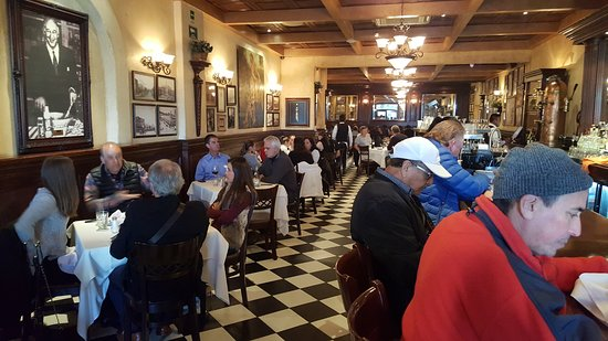 San Ysidro, CA: Dinner at the legendary Caesar's Restaurant