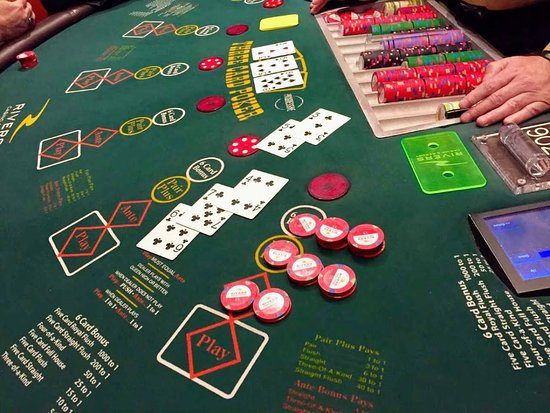 A 92 205 00 Win With A Straight Flush On Three Card Poker Picture