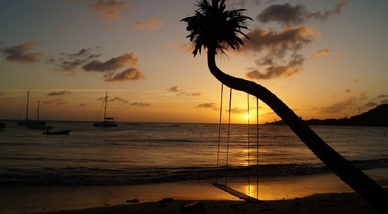 Laborie, St. Lucia: Swing for couples