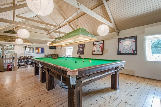Broomhill Manor Country Estate: Broomhill Manor Bar and Snooker Room