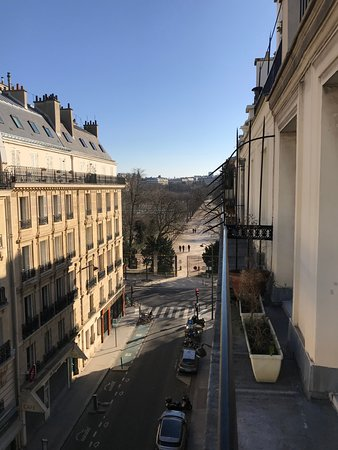 Hotel de l'Avenir: View from the room onto Jardin du Luxembourg