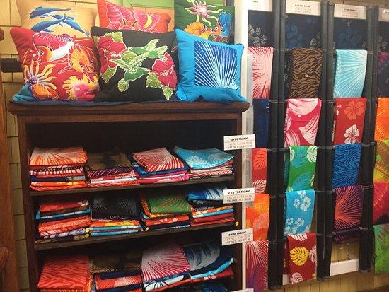 Romney Manor: The batik shop