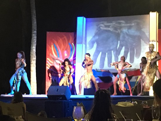 Dreams Dominicus La Romana: One of the many night time beach shows with dining