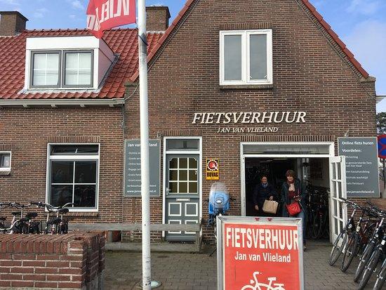 Fietsverhuur Jan van Vlieland: Uitnodigend