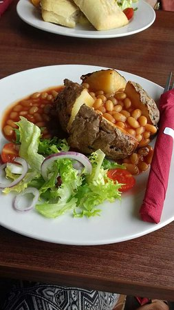 Coffee Cup Eastney: Jacket potato and beans, exactly how I asked for it!