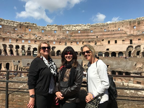 Rome City Tours with Maria Claudia & Co.: Beautiful Day at the Colliseum