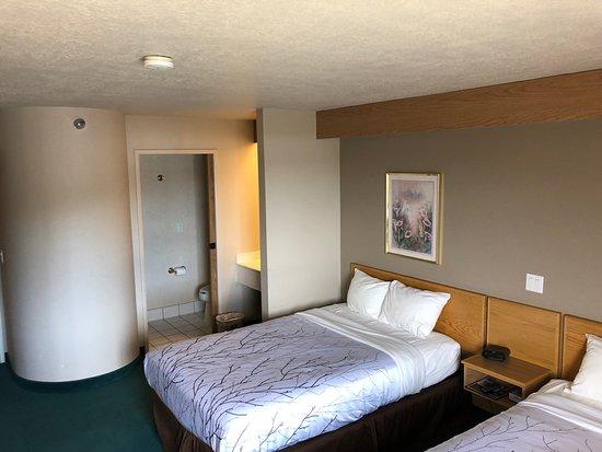 Ephraim, UT: Standard 2 Double bed room