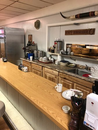 Mount Gilead, OH: food prep and bar area