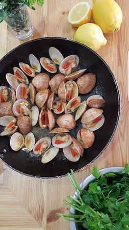 Paleokastro, Greece: Fresh Seafood @ Egxorio